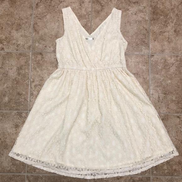 Lavand Dresses & Skirts - 5/$25 Lavand cream lace dress (small) EUC